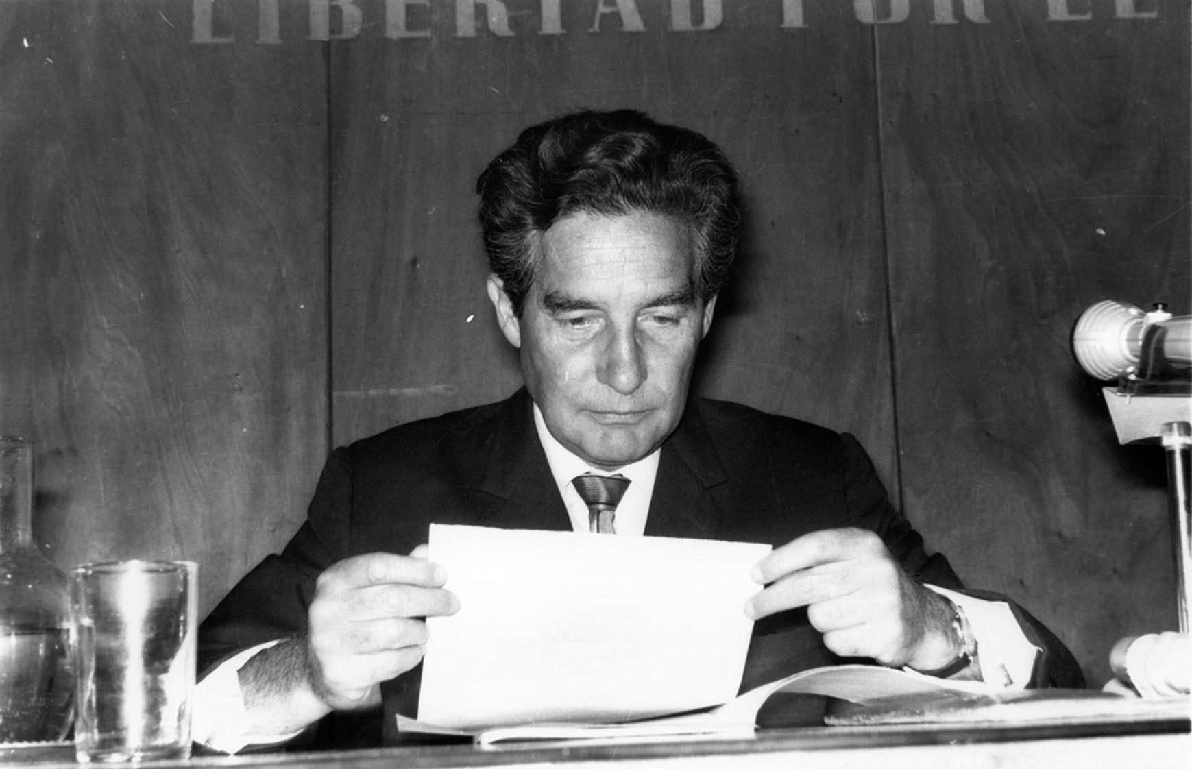 Octavio Paz en El Colegio Nacional