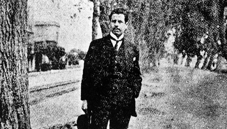 Octavio Paz lee a Ramón López Velarde